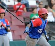 Roel Santos de los Alazanes de Granma, de Cuba, en el juego frente a los Tigres de Licey, de República Dominicana, en el inicio de la LIX Serie del Caribe de Béisbol 2017, en el estadio de los Tomateros de Culiacán, en el estado Sinaloa, en México, el 1 de febrero de 2017.  ACN   Ricardo LÓPEZ HEVIA/Periódico Granma/sdl
