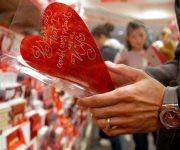 El 14 de febrero pasó de fiesta pagana a católica a negocio global. Foto: Getty.