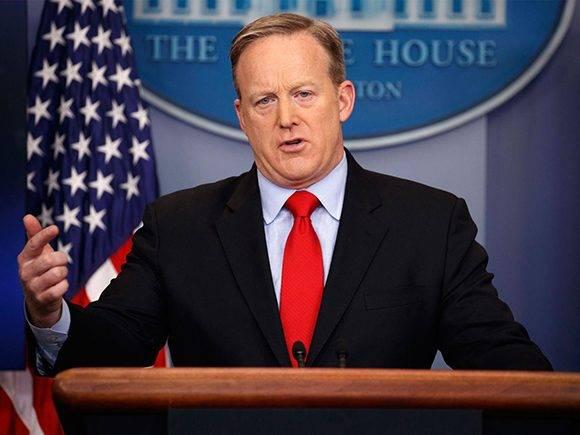Sean Spicer hoy durante su conferencia de prensa en la Casa Blanca. Foto: AP.