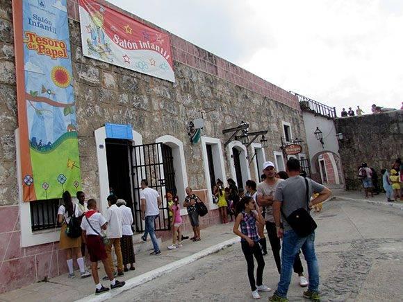 Tesoro de papel 1: el Pabellón Infantil Tesoro de Papel está presente en el pabellón k-16 de la Fortaleza San Carlos de la Cabaña. Foto: Cinthya García Casañas/ Cubadebate.