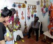 """El proyecto """"La Muñeca negra"""" exhibe una colección de obras con la técnica del papier maché. Foto: Cinthya García Casañas/ Cubadebate."""