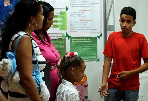 Tesoro de papel 8: Cuba Verde: Amigos de la flora y la fauna, por un planeta vivo, también está entre los favoritos del público. Foto: Cinthya García Casañas/ Cubadebate.