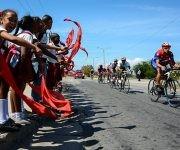 Ciclistas pedalean durante la 2da etapa Guantánamo-La Gran Piedra (116 km) del IV Clásico Nacional de Ciclismo de ruta, 15 de febrero de 2017. ACN   FOTO/Calixto N. LLANES/Juventud Rebelde/sdl