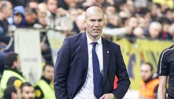 Zidane durante el partido ante el Villarreal, en el que los cambios le funcionaron a la perfección. Isco y Morata levantaron al equipo. Foto: Amparo Simo/ Marca.
