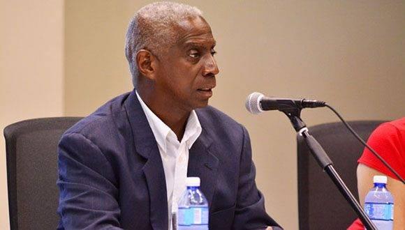 Ingeniero Pedro Suáres, especialista del Ministerio de Transporte de Cuba. Foto: Roberto Garaycoa.