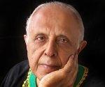 Ahmed Kathrada. Foto tomada de Alchetron.