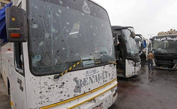El ataque tuvo lugar en una estación de ómnibus a la que habían arribado los peregrinos chiitas; la segunda explosión generó víctimas entre quienes prestaban auxilio luego de la primera. Foto Afp