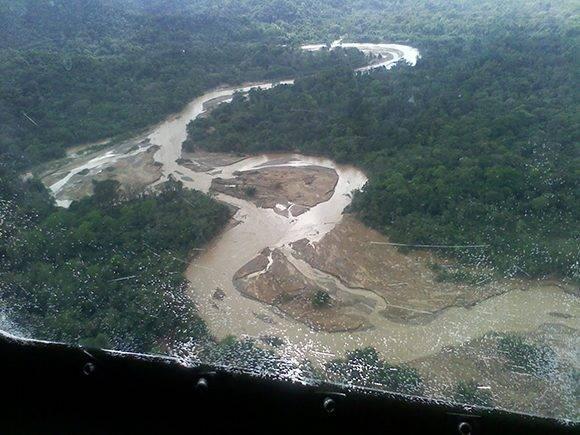 Desde el aire se veía la crecida de los ríos. Foto: Orlando Durán.