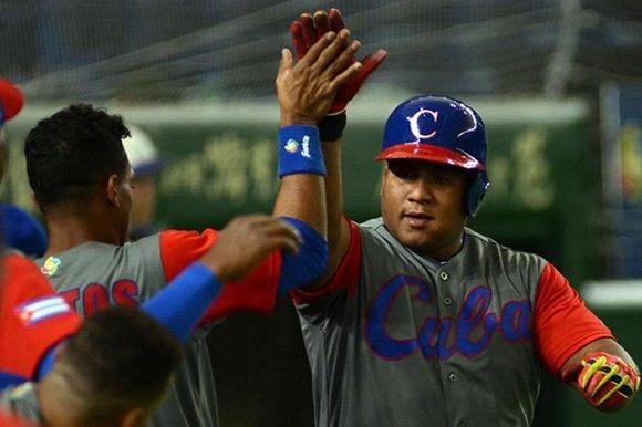 Despaigne abrió el juego con un largo cuadrangular. Foto: Ricardo López Hevia/ Granma/ Cubadebate.
