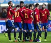 Diego Costa celebra el gol con sus compañeros. Foto tomada de El País.