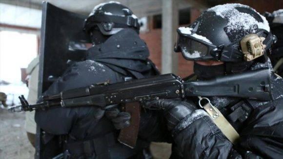 Dos agentes de la Guardia Nacional de Rusia, también conocida como Rosgvardia. Foto tomada de HispanTV.