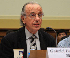 El doctor Gabriel Danovitch, Profesor de la Universidad de Los Ángeles, elogió a Cuba.