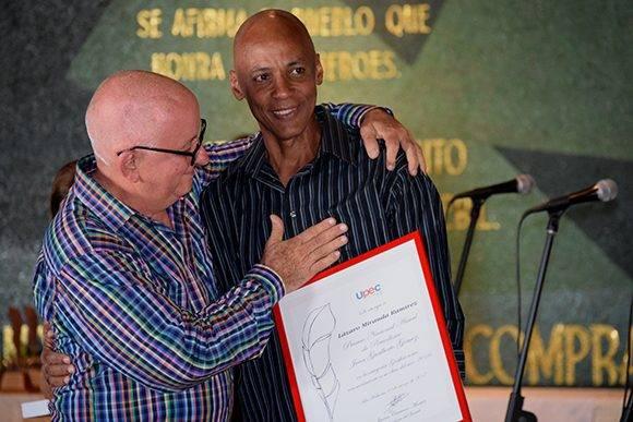 Lázaro Miranda (Laz) fue el galardonado en Gráfica. Foto: Cinthya García Casañas/ Cubadebate.