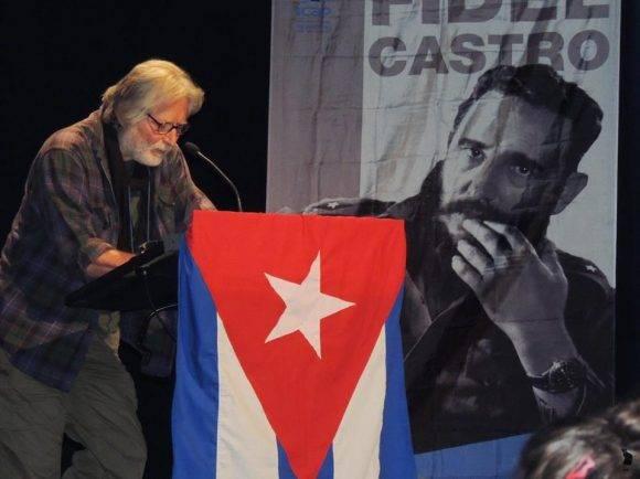 Habla el escritor Carlos Frabetti. Foto: Página de Facebook del Embajador de Cuba en España