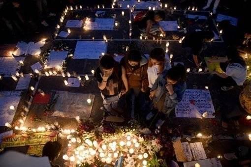 Homenajean a las niñas muertas en Guatemala. Foto tomada de Telesur.