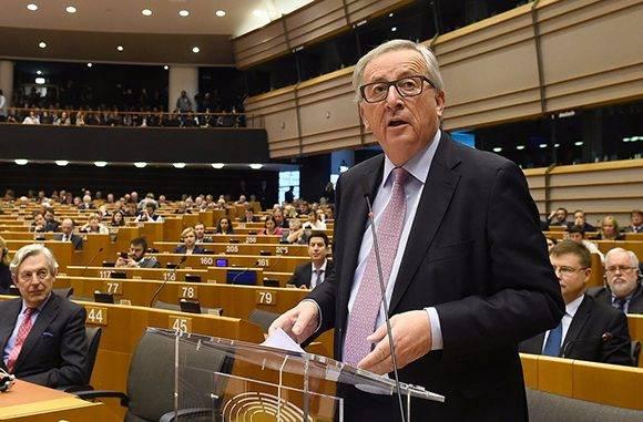 Jean-Claude Juncker, presidente de la Comisión Europea, durante la presentación del 'Libro Blanco sobre el futuro de Europa' en la sede de la UE en Bruselas. Foto: AFP.