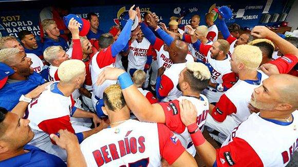 Lo que comenzó como un sello del equipo se ha convertido en toda una moda en la Isla del Encanto y entre los boricuas que viven en los Estados Unidos. Foto: Alex Trautwig/ MLB.