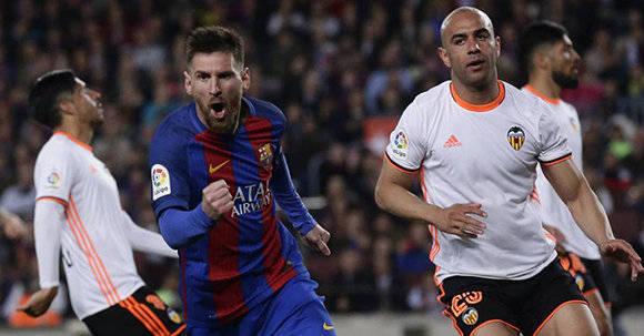 Lionel Messi marcó un doblete ante el Valencia. Foto: AFP.