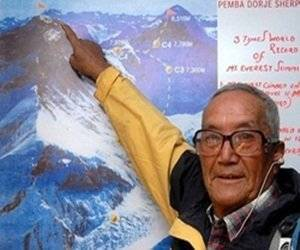 El nepalés aspira a escalar el monte el mes próximo.
