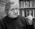 USA. Boston, Massachusetts. 2002. Professor Noam CHOMSKY.[lF][lF]Contact email: New York : photography@magnumphotos.com Paris : magnum@magnumphotos.fr London : magnum@magnumphotos.co.uk Tokyo : tokyo@magnumphotos.co.jp   Contact phones: New York : +1 212 929 6000 Paris: + 33 1 53 42 50 00 London: + 44 20 7490 1771 Tokyo: + 81 3 3219 0771   Image URL: http://www.magnumphotos.com/Archive/C.aspx?VP3=ViewBox_VPage&IID=2K7O3R83XKEJ&CT=Image&IT=ZoomImage01_VForm