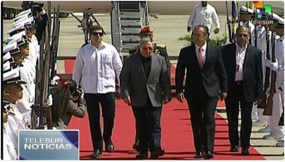 Llega Raúl Castro a Caracas para participar en Cumbre del ALBA-TCP (+ Audio)