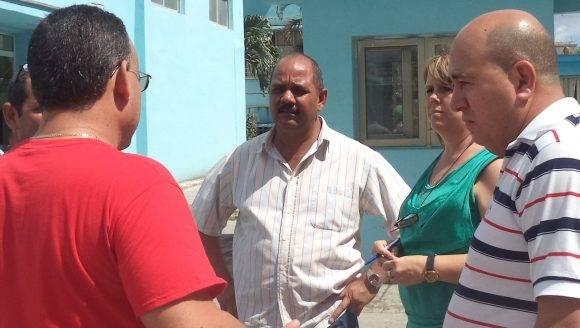 Reynaldo García Zapata (al centro), recorre varias entidades en la capital. Foto: Cortesía del autor.