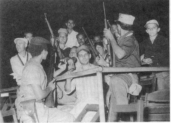 Rocky Nelson y Tom Lasorda en el estadio del Cerro con los rebeldes.