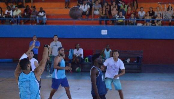 Juegos de Baloncesto. Foto: Tomada del perfil Caribes FA. Facebook