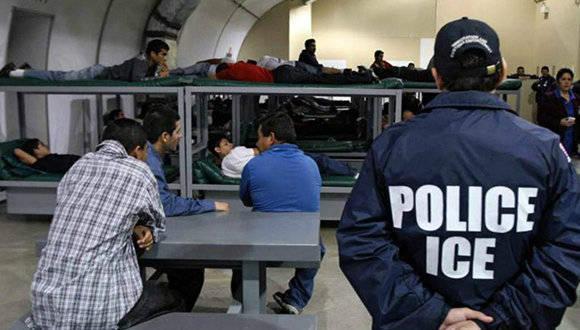 En el centro de detención para inmigrantes Theo Lacy constantemente se violan los derechos humanos, la prensa estadounidense prefiere callar. Foto: AFP.