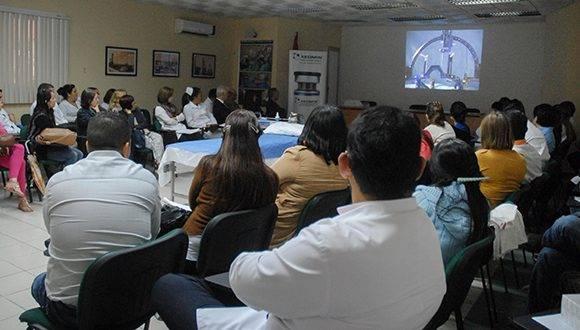 Especialistas internacionales imparten curso de trastornos de movimiento, en el Centro Internacional de Restauración Neurológica (CIREN), en La Habana, Cuba, el 17 de marzo de 2017. ACN FOTO/Diana Inés RODRÍGUEZ RODRÍGUEZ/sdl
