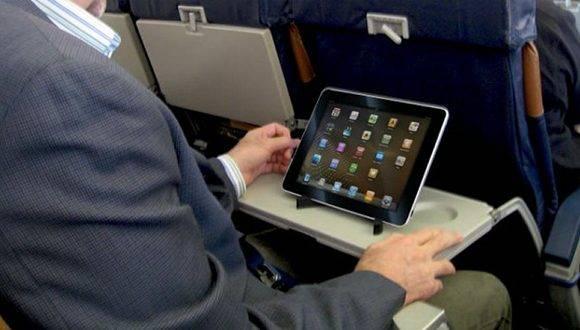 Las autoridades estadounidenses anunciaron este martes la prohibición de computadores portátiles y tabletas en la cabina de los vuelos de nueve compañías aéreas procedentes de ocho países de Oriente Medio. Foto: Archivo.