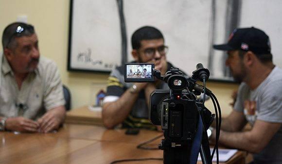 Este debate íntegro fue transmitido por las cuentas en Facebook y Youtube de Cubadebate. Foto: José Raúl Concepción/ Cubadebate.