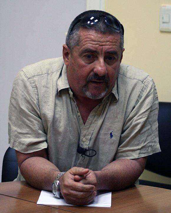 Javier Méndez visitó la sede de Cubadebate para brindarnos su opinión sobre la actuación de Cuba en el IV Clásico Mundial. Foto: José Raúl Concepción/ Cubadebate.