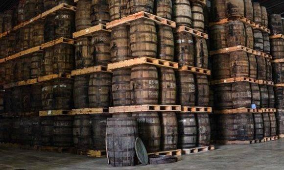 Área de barriles A 1 en la Ronera San José Havana Club Internacional S.A, en San José de las Lajas, en la provincia de Mayabeque, Cuba, el 17 de marzo de 2017. ACN FOTO/ Marcelino VÁZQUEZ HERNÁNDEZ/sdl