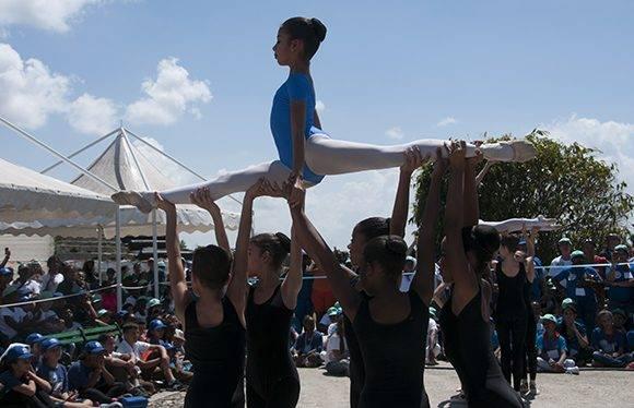 En la inauguración la danza tuvo un papel protagónico. Foto: Ladyrene Pérez/ Cubadebate.