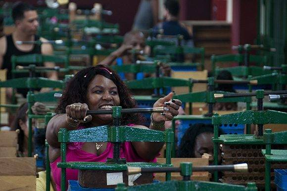 Recorrido por la fábrica de tabacos La Corona. Foto: Ladyrene Pérez/Cubadebate.
