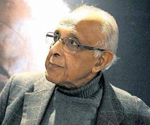Former Robben Island inmate and Struggle stalwart Ahmed Kathrada reflects on on the Rivonia Trial at the Nelson Mandela Centre for Memory. 120614. Picture: Chris Collingridge    672