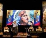 Alcaldes y concejales ratificaron apoyo a candidato de Alianza PAIS. Foto: Andes/ TeleSur.