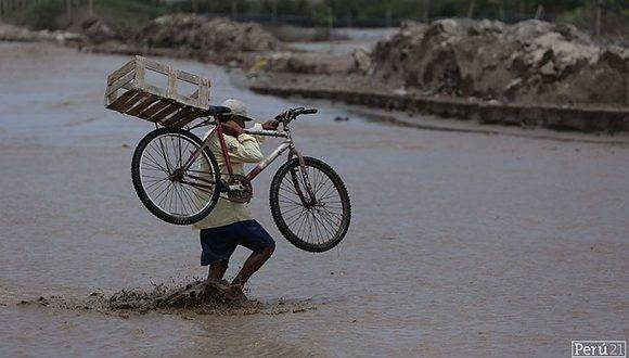 Decenas de muertos y 72 mil damnificados en Perú por las lluvias y las riadas. Foto: Perú21.