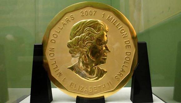La mayor moneda de oro del mundo, una pieza de 100 kilos y un valor nominal de un millón de dólares (926.000 euros), del Museo Bode de Berlín. Foto: DPA.