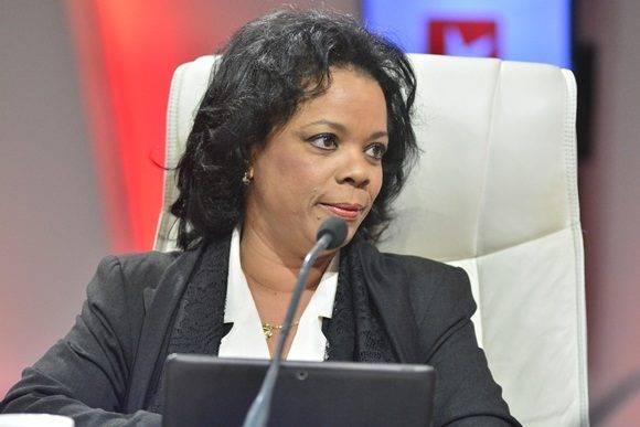 Zoraya Bravo Fuentes, Vicepresidenta primera del Grupo Empresarial Correos de Cuba.