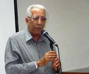 Dr. Eduardo Torres Cuevas.