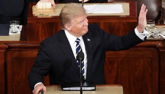 Donald Trump invitó a niño a su discurso y se quedó dormido