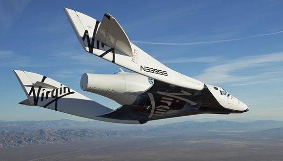 El profesor Stephen Hawking viajará al espacio en un vuelo de Virgin Galactic. Foto: Agencias.