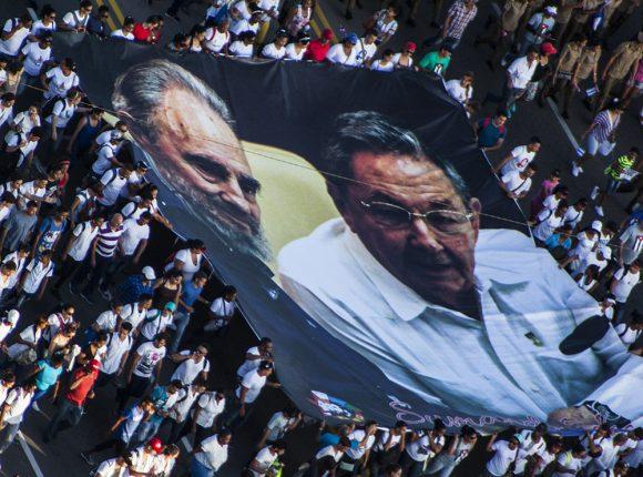 El líder histórico de la Revolución junto a Raúl. Foto: L Eduardo Domínguez/ Cubadebate.