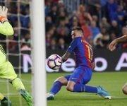 Alcacer consiguió anotar un doblete ante el Osasuna. Foto: AP.