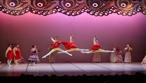 El virtuosismo técnico, la estilizada potencia, el histrionismo sin exagerar caracterizan las presentaciones del Ballet Nacional de Cuba
