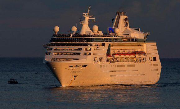 Barco a la vista. Foto: Ismael Francisco/ Cubadebate.
