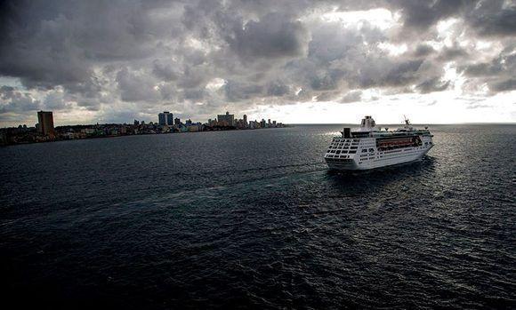 El crucero se despide de La Habana. Ismael Francisco/ Cubadebate.