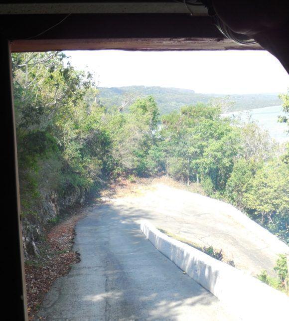 Carretera a Maisí. Curvas de La Boruga. Superimpresionante!!! Peor que La Farola. Foto: Roberto Ariel Ferrera Romero / Cubadebate